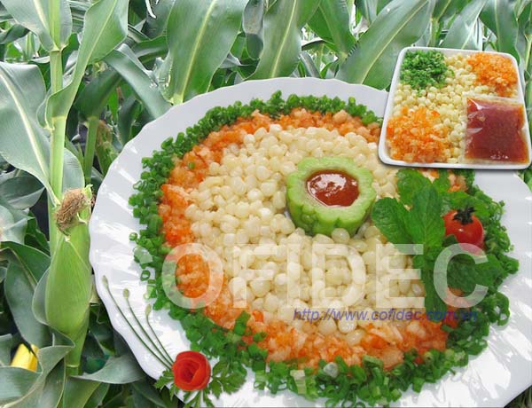 Sticky and white variety of maize with shrimp and sauce
